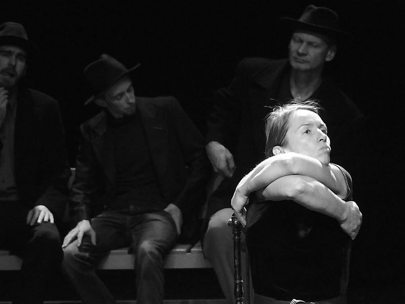 """Iš spektaklio """"Bado Meistras""""."""