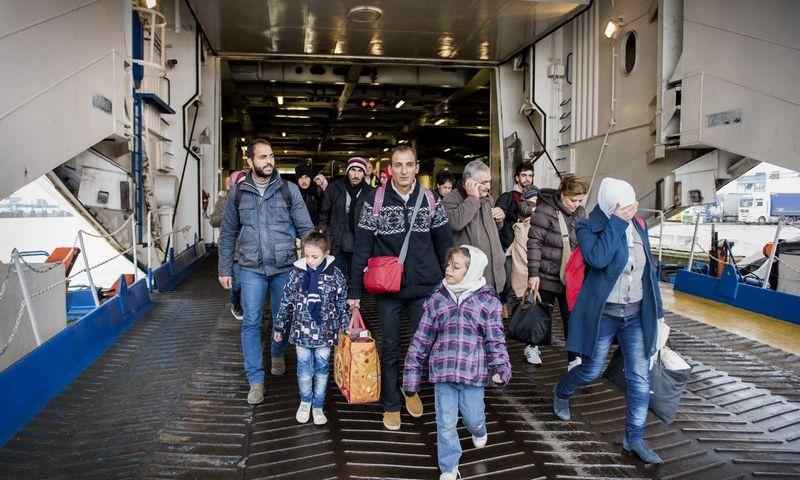 """Migrantai Švediją pasiekia keltais. Marcuso Ericssono (""""Reuters"""" / """"Scanpix"""") nuotr."""