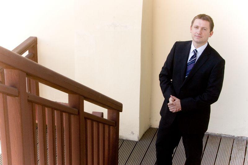 """Domas Klimavičius, banko """"Finasta"""" finansų makleris. Vladimiro Ivanovo (VŽ) nuotr."""