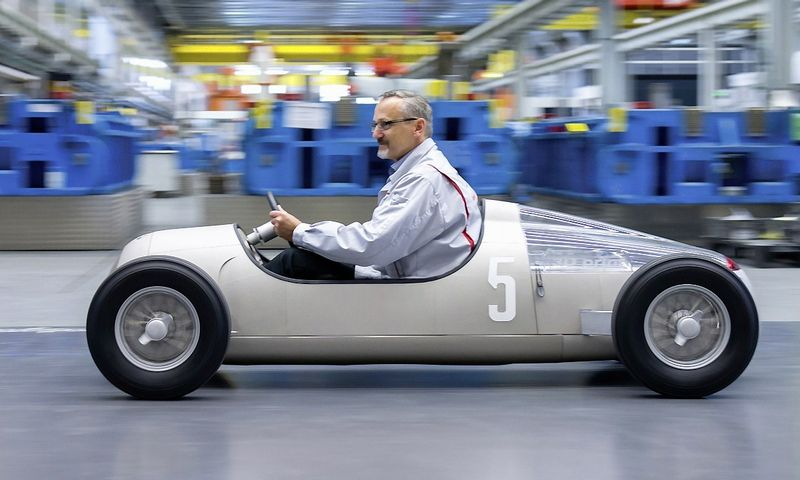 """Pirmasis """"Audi"""" išspausdintas automobilis – 1936 m. laidos """"Auto Union Typ C"""" modelis. Gamintojo nuotr."""