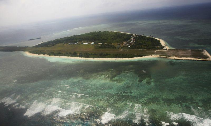 "Viena iš Spratlio salų. Rolexo Dela Pena (""Reuters"" / ""Scanpix"") nuotr."