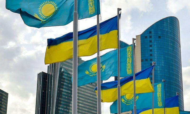 """Vakarų sankcijos Rusijai kliudė ir Kazachstaną – teko devalvuoti tengę, o šalies mokesčių tarnybai siekiant visais įmanomais būdais papildyti biudžetą, kenčia ir užsienio investuotojai. Nikolajaus Lazernkos (""""Ria Novosti"""" / """"Scanpix""""nuotr.)"""