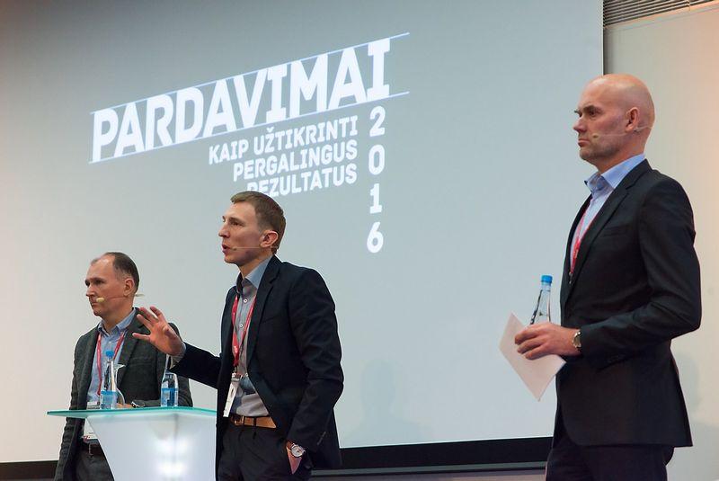 """Iš kairės: Darius Pietaris, """"TMD Partners"""" partneris, Merkys Saukevičius, UAB """"Pirkimų sprendimai"""" vadovas ir Vaidas Lukoševičius, """"Rimi Baltic"""" komercijos skyriaus vadovas. Aušros Barysienės nuotr."""