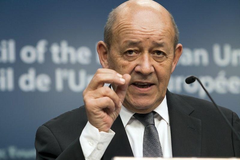 """Prancūzijos gynybos ministras Jeanas-Yvesas Le Drianas. Delmi Alvarezo (""""Reuters"""" / """"Scanpix"""") nuotr."""
