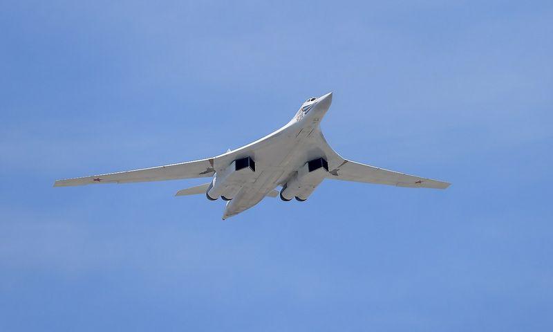 "Strateginis bombonešis Tu-160. Antono Denisovo (""Host photo agency"" / ""Scanpix"") nuotr."