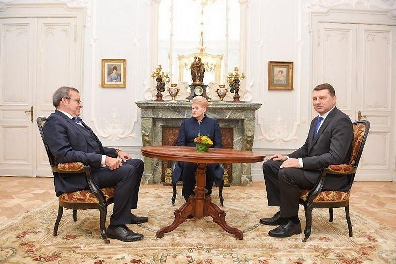 Iš kairės – Estijos, Lietuvos, Latvijos prezidentai: Toomas Hendrikas Ilvesas, Dalia Grybauskaitė, Raimondas Vejonis. Roberto Dačkaus (president.lt) nuotr.