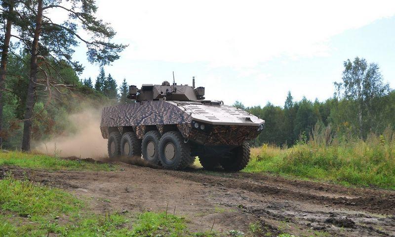 """Suomijos kompanijos """"Patria"""" šarvuotis AMV XP IFV. Bendrovės nuotr."""