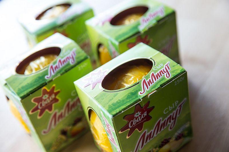 """""""Pieno žvaigždės"""" gaminamas sūris """"Liliputas"""" skirtas eksportui į Rusiją. Juditos Grigelytės (VŽ) nuotr."""