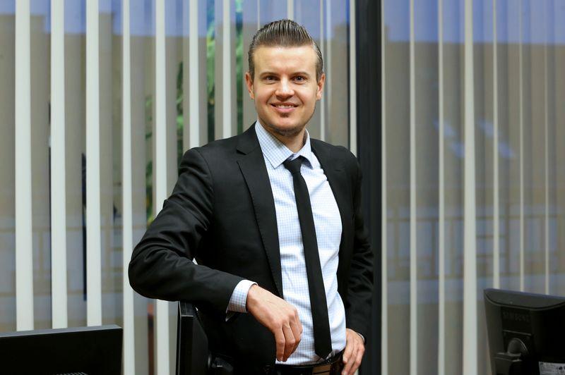 Tomas Kipišas, Šiaulių banko finansų makleris. Algimanto Barzdžiaus (VŽ) nuotr.