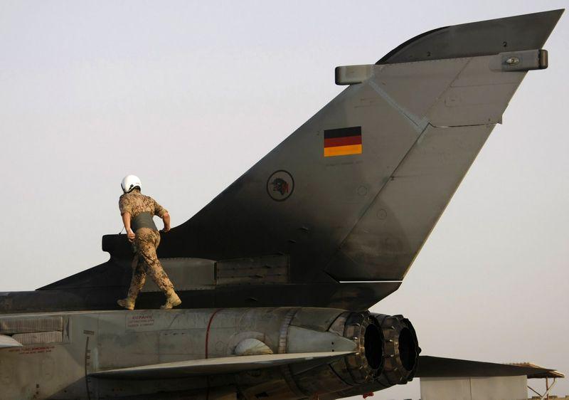 "Vokietija Sirijoje dislokuos ""Tornado"" naikintuvus. Ruben Spricho (""Reuters"" / ""Scanpix"") nuotr."