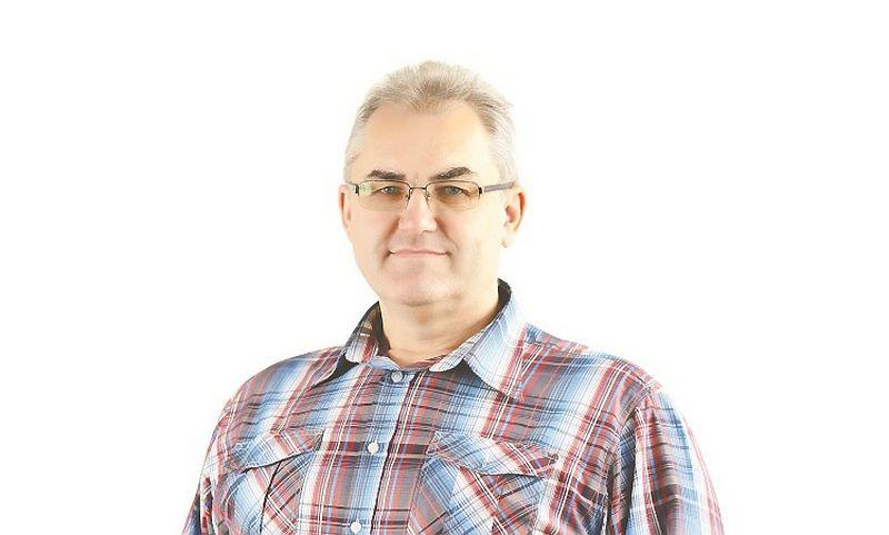 """Bendrovės """"ROL Statga"""" projektų vadovas Gintaras Zablockis: """"Daug investuojame į gamtosaugines programas, LED apšvietimą, stengiamės panaudoti saulės energiją, kompresorių išskiriamą šilumą vandens pašildymui, oro filtravimo sistemos šilumą neišmetama į lauką"""""""