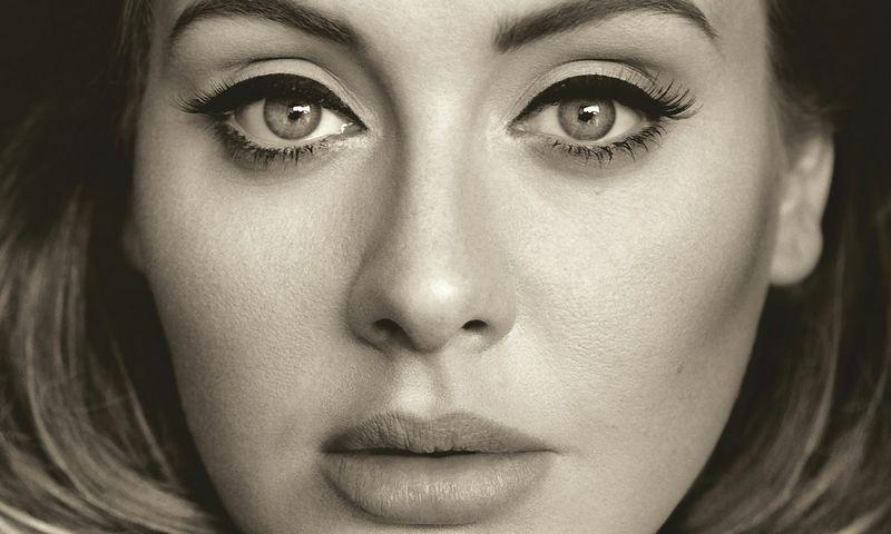 """Išklausęs Adele """"25"""" jautiesi stipresnis ir įkvėptas. Albumo viršelis"""