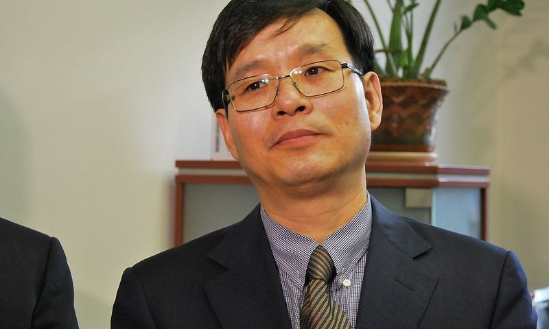 """Tangas Xinbingas, Kinijos energetikos kompanijos """"Beijing Energy Investment Holding"""" Strateginio planavimo departamento direktorius. Indrės Sesartės (VŽ) nuotr."""