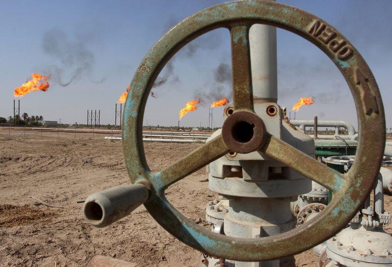 """Saudo Arabija ne kartą nurodė, kad vienašališkai naftos čiaupų prisukti neketina. """"Reuters"""" / """"Scanpix"""" nuotr."""