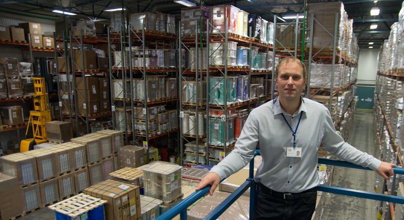 """Vaidas Riepšas, UAB """"Philip Morris Lietuva"""" Inžinerinio skyriaus vadovas, teigia, kad nestabdant gamybos įgyvendinti 42 mln. Eur vertės fabriko plėtros projektą buvo iššūkis, tačiau jį pavyko įveikti sklandžiai.  Algimanto Kalvaičio nuotr."""