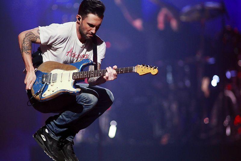 """""""Maroon 5""""  Lietuvoje klauso ir vyrai, ir moterys. Steve'o Marcuso (""""Reuters""""/""""Scanpix"""") nuotr."""