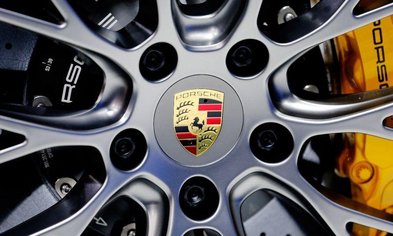 """""""Porsche"""" nusprendė, kad """"Boxster"""" ir """"Cayman"""" priklausys 718 serijai. Mikeo Blake'o (""""Reuters"""" / """"Scanpix"""") nuotr."""