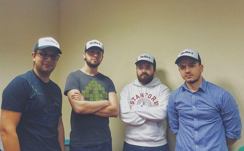 """Personalo atrankos startuolio """"Skillaz"""" komanda (iš kairės): Aleksanderis Baranovas, technologijų vadovas, Grigorijus Dudašas, vienas įkūrėjų, Andrejus Krylovas, generalinis direktorius ir vienas įkūrėjų, bei Artemas Taganovas, produkto plėtros vadovas. Bendrovės nuotr."""