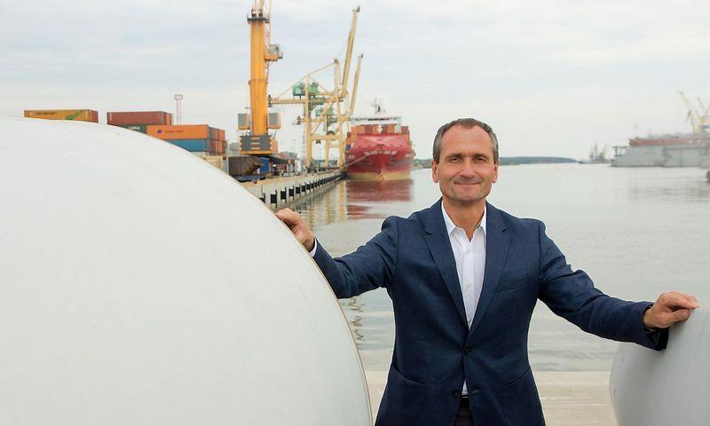 """Vaidotas Šileika, Lietuvos jūrų krovos kompanijų asociacijos prezidentas: """"Galime susidurti su nelygiomis konkurencinėmis sąlygomis, nes Klaipėdos """"Rail Balticos"""" vėžė nepasieks, bet užsuks į kitas sostines – tiek į Rygą, tiek į Taliną."""" Algimanto Kalvaičio nuotr."""