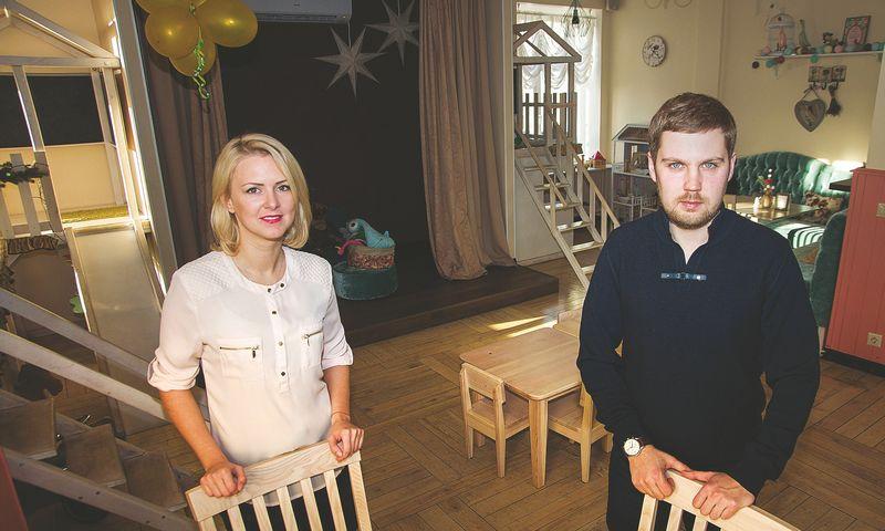 """Valentina Kardakova ir Linas Gumuliauskas, šeimos restoranėlio """"Piccolini"""" Klaipėdoje bendraturčiai, verslo ėmėsi pajutę vietų, kur galima leisti laiką su vaikais, trūkumą.  Algimanto kalvaičio nuotr."""