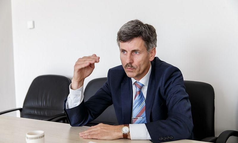 Dalius Gedvilas, Lietuvos statybininkų asociacijos prezidentas, teigia, kad rinkoje nebeliko didelės apimties statybų ir, jeigu nebus aktyviau naudojama ES parama, kad ir koks būtų NT plėtotojų ir pramonės aktyvumas, kitąmet galima planuoti panašią darbų apimtį, kaip ir šiais metais. Vladimiro Ivanovo (VŽ) nuotr.