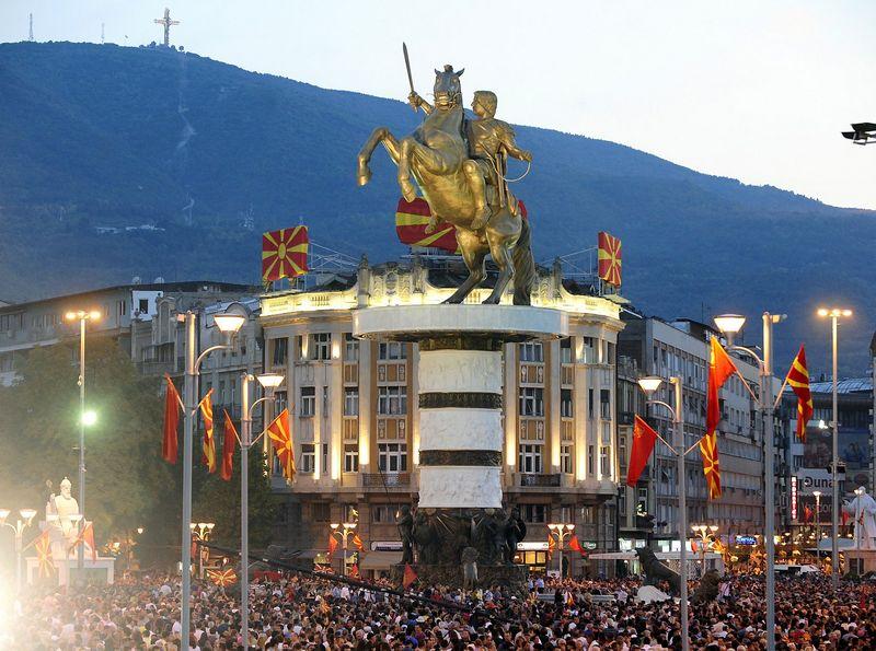 "Aleksandro Didžiojo statula Skopjė, Makedonijoje. Ogneno Teofilovskio(""Reuters""/ ""Scanpix"") nuotr."
