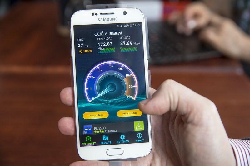 """Gruodžio 1 d. duomenimis, didžiausią 4G tinklą Lietuvoje turi """"Omnitel"""", antroje vietoje """"Tele2"""".  Vladimiro Ivanovo nuotr."""