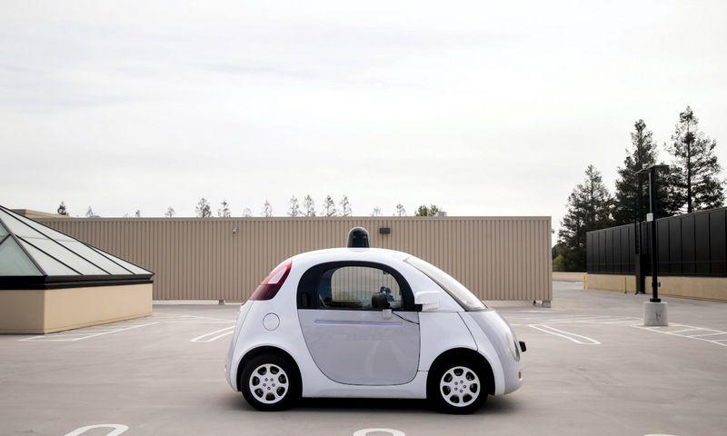 """Google"" savavaldžio automobilio prototipas. Elijaho Nouvelage'o (""Reuters"" / ""Scanpix"") nuotr."