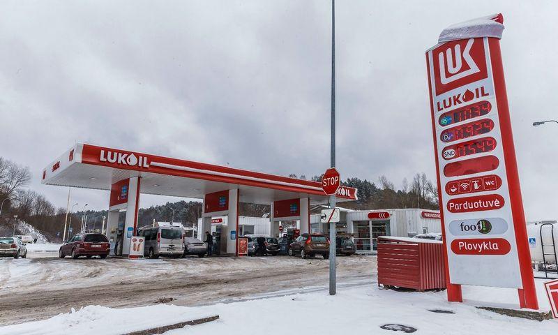 """Rinkos dalyviai mano, jog iš Lietuvos dingti gali tik """"Lukoil"""" vardas. Vladimiro Ivanovo (VŽ) nuotr."""
