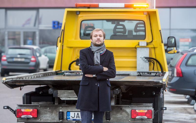 """Jevgenijus Kulešas, """"Euro Asista"""" vadovas, sako, kad norėdama užtikrinti paslaugų kokybę įmonė atsisakys rangovų ir techninės pagalbos paslaugas teiks pati. Juditos Grigelytės (VŽ) nuotr."""