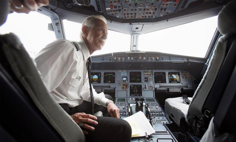 """Autopiloto sistemos lėktuvams kūrėjai viliasi, kad naujovė padės sumažinti žmogiškų klaidų skaičių. Setho Wenigo (""""Scanpix"""") nuotr."""