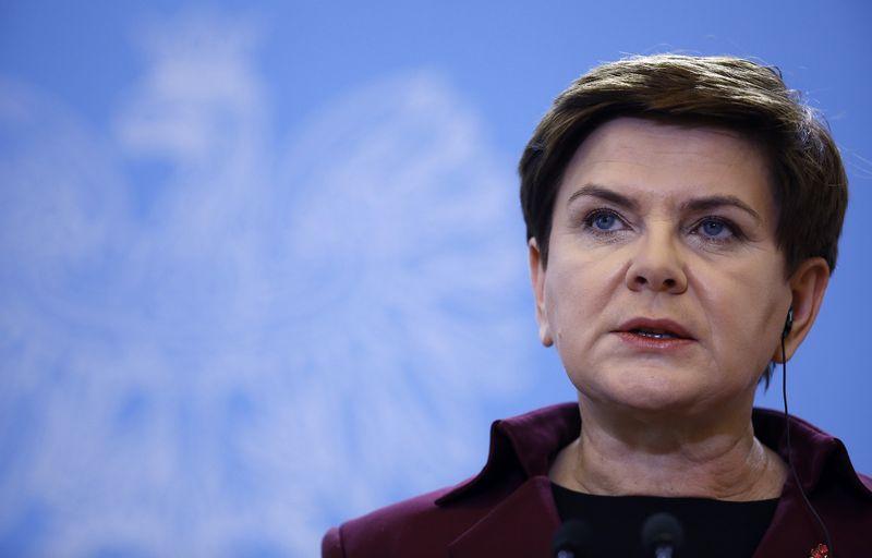 """Beata Szydlo, Lenkijos premjerė, pažadą apmokestinti bankų turtą davė rinkimų kampanijos metu. Kacperas Pempelis (""""Reuters"""" / """"Scanpix"""") nuotr."""