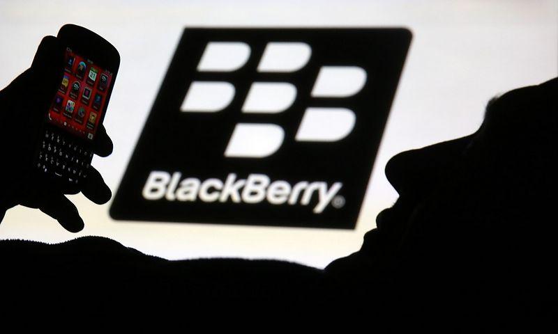 """""""Blackberry"""" paskelbė imsiantys gaminti operacinę sistemą savavaldžiams automobiliams. Dado Ruviciaus (""""Reuters"""" / """"Scanpix"""") nuotr."""