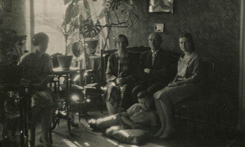 Visa Šlapelių šeima savo namuose 1929 m. Šlapelių namo-muziejaus nuotr.