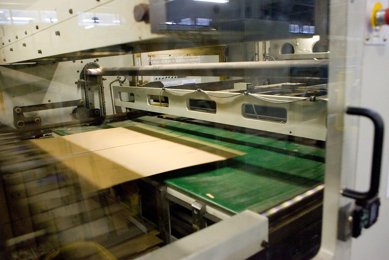 �Grigeo Klaip�dos kartonas� paleido nauj� gamybos linij�