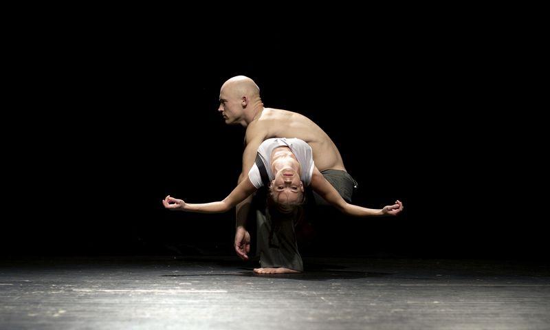 """Menų spaustuvės spektaklis """"Feel-Link"""".  Dmitrijaus Matvejevo nuotr."""