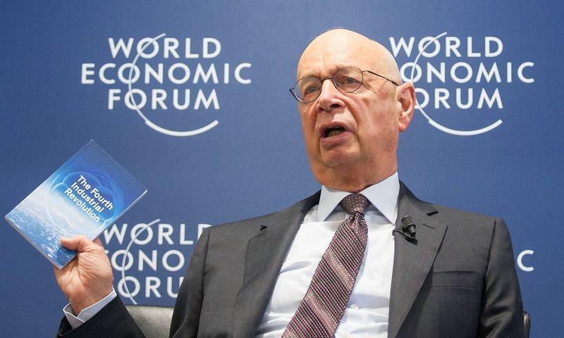 """Klausas Schwabas, Pasaulio ekonomikos forumo įkūrėjas ir vykdomasis vadovas. Xu Jinquan (""""Xinhua"""" / """"Scanpix"""") nuotr."""