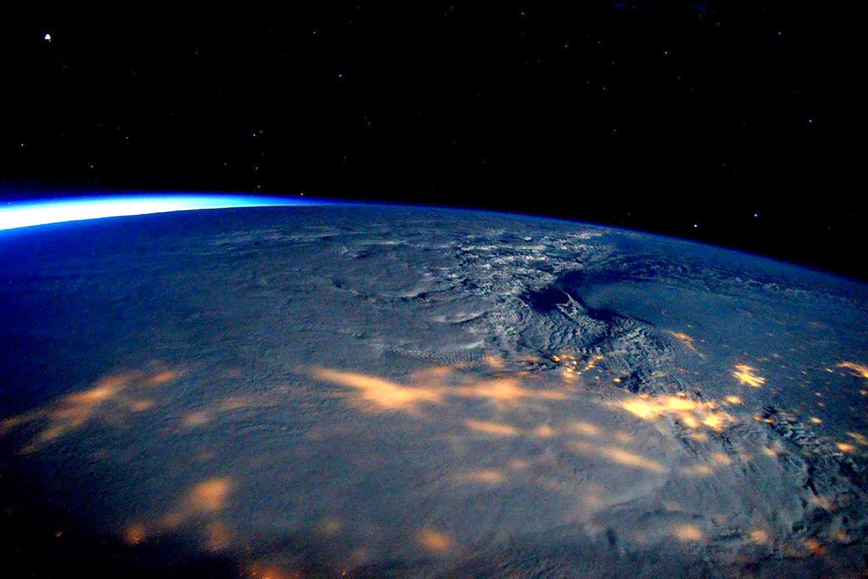 JAV siau�ianti p�ga matyti i� Tarptautin�s kosmoso stoties. (�Reuters� / �Scanpix�) nuotr.