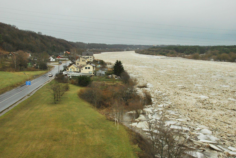 Kaune ir Jonavoje paskelbtas potvynio pavojus