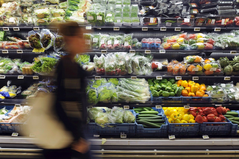 Pranc�zija u�draud� parduotuv�ms i�mesti maist�