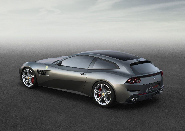 �Ferrari� atsisak� FF ir i�leido �GTC4 Lusso� model�