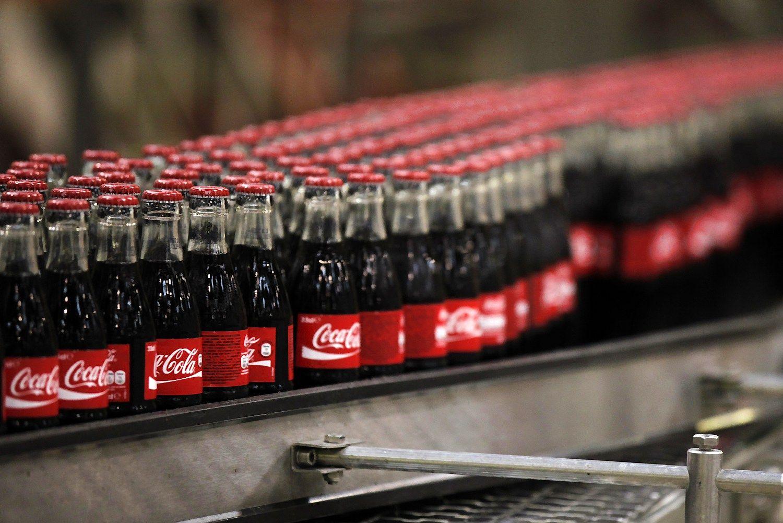 Indijos �kininkai �Coca-Cola� privert� u�daryti gamykl�
