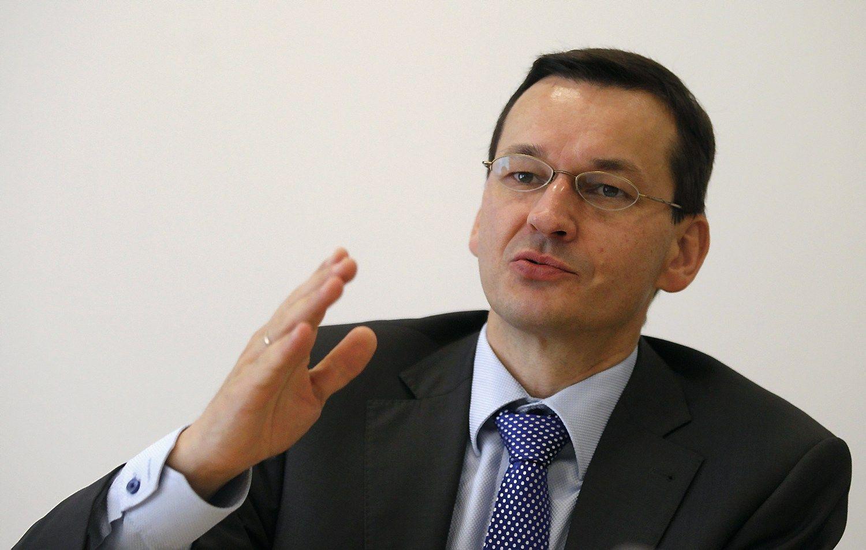 Traukiniai � Var�uv� va�iuos grei�iau, lenkai �ada didinti investicijas