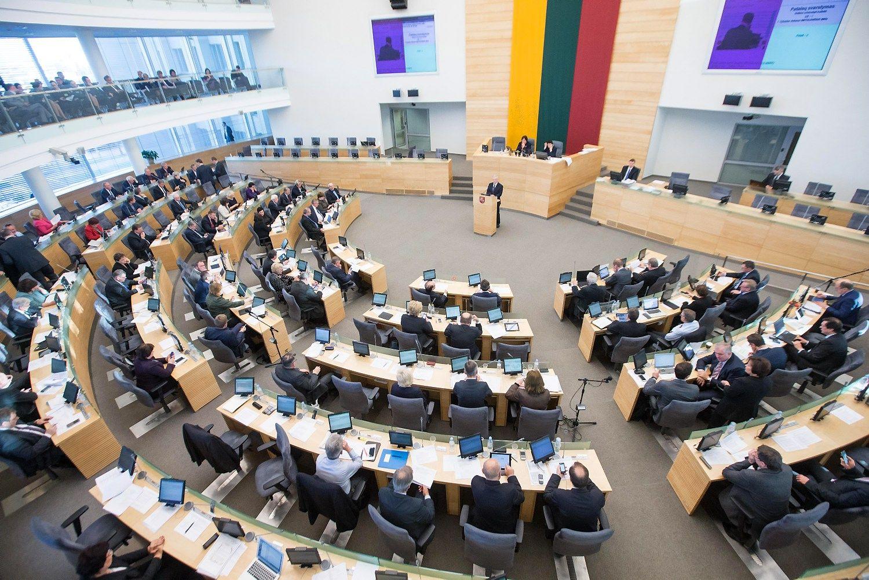 Vyks opozicijos inicijuota neeilinė Seimo sesija