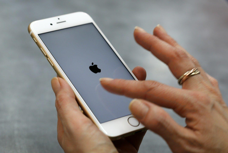 �Apple� blokuoja telefonus, kurie taisomi ne autorizuotuose servisuose