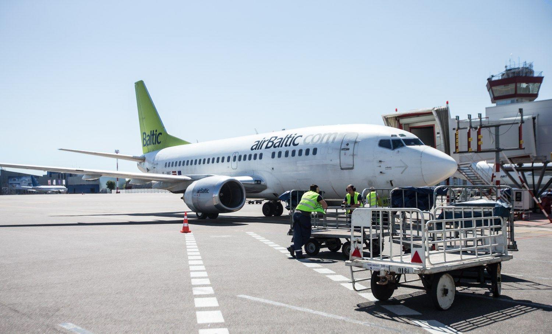 Vėlavo darbuotojo skrydis? Įmonė gali reikalauti pinigų iš aviakompanijos