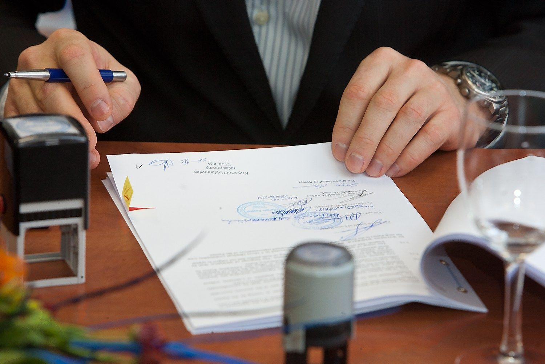 Vadovas pirmą kartą: kas turi būti jūsų darbo sutartyje