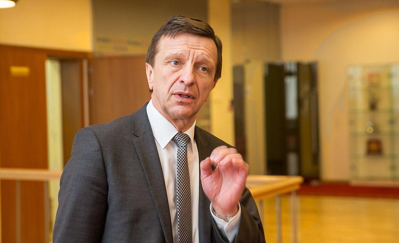 KTU rektorius: su dvigubai mažesniu atlyginimu talentų nepritrauksi