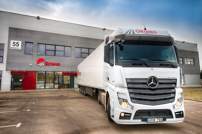 �Girteka� apsipirko: �sigijo 1.000 �Mercedes-Benz� vilkik�