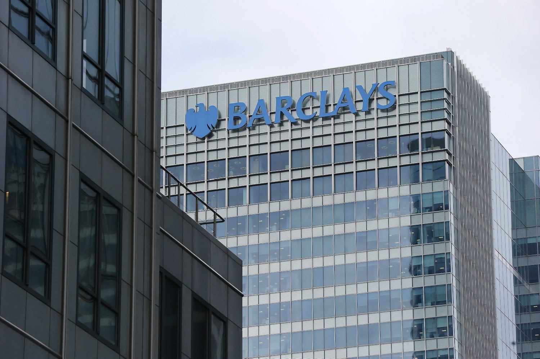 """""""Barclays"""" naujienos žemyn nusitempė banko akcijas"""